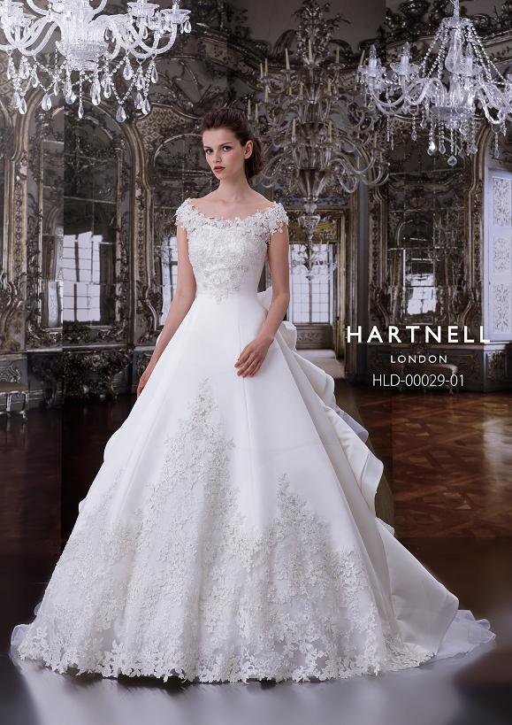 HARTNELLのウエディングドレス