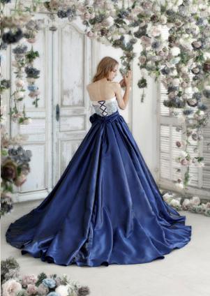 ハーディーエイミスのカラードレス