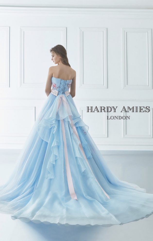 ハーディエイミスのカラードレス