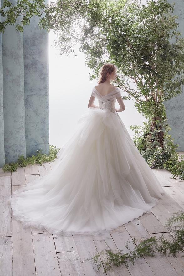 ハーディエイミスのウェディングドレス