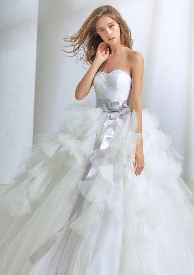 DEWYのウエディングドレス
