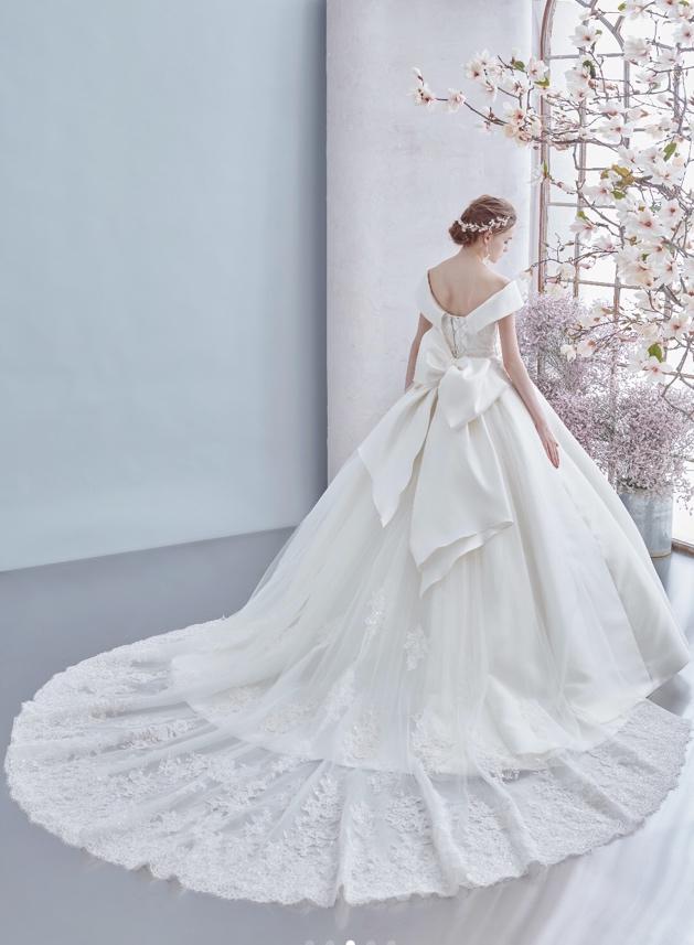 ビクトリアプリンセスカのウエディングドレス